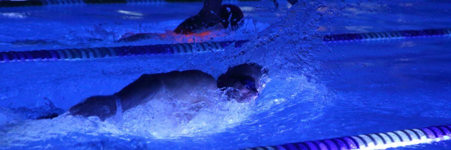 Nakts Peldējums 2017 – atmosfēra, mūzika un pelde (video)