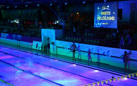 Vairāk kā 900 peldēšanas sporta cienītāji un veselīga dzīves veida atbalstītāji